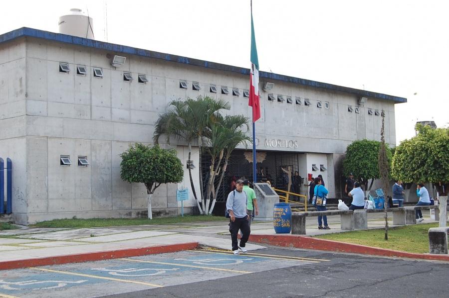 Trasladan a penal de Morelos a presunta homicida en Plaza Artz