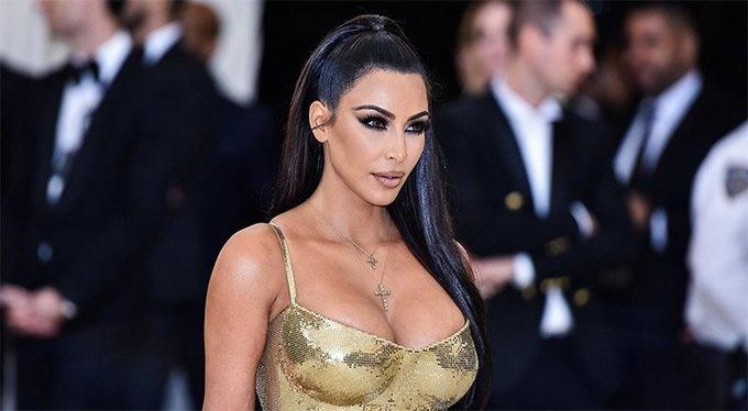 Tendencias - La colección de fajas de Kim Kardashian sigue