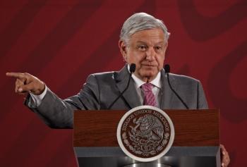 """Da López Obrador apoyo a """"ley garrote"""" en Tabasco"""