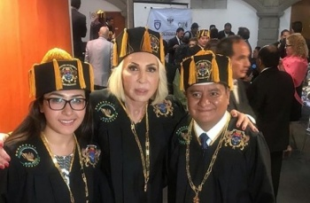 Otorgan doctorado Honoris Causa a Laura Bozzo; Congreso capitalino se deslinda