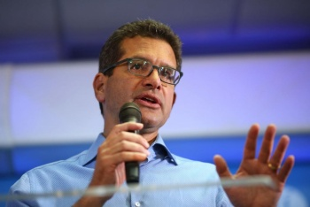 Rosselló nombra sucesor a exrepresentante en Congreso de EU
