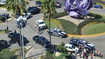 Dos muertos y 4 heridos por balacera en Plaza Galerías