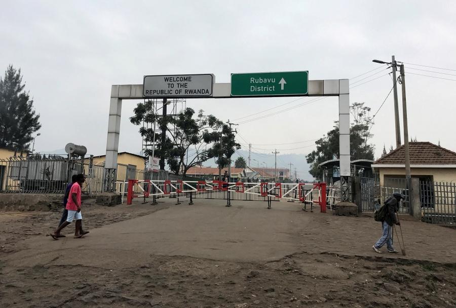 Ruanda cierra su frontera por temor a contagios de ébola