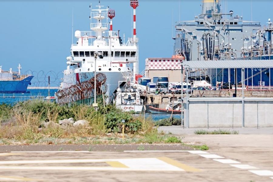 Migrantes entran a Italia bajo ciudado de 5 países