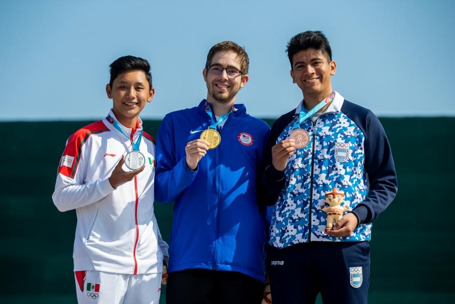 Edson Ramírez gana la primera medalla de plata para el tiro deportivo