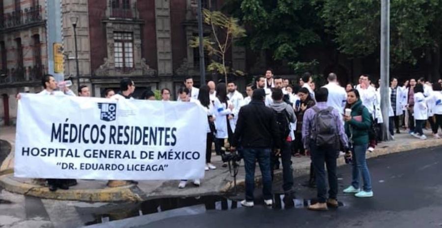 Médicos Residentes; demandan mejoras laborales