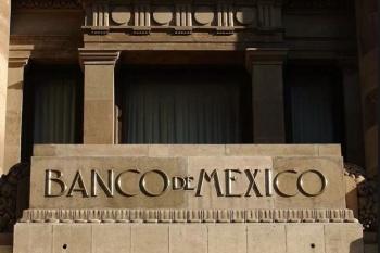 Analistas, en encuesta Banxico bajan pronóstico de crecimiento
