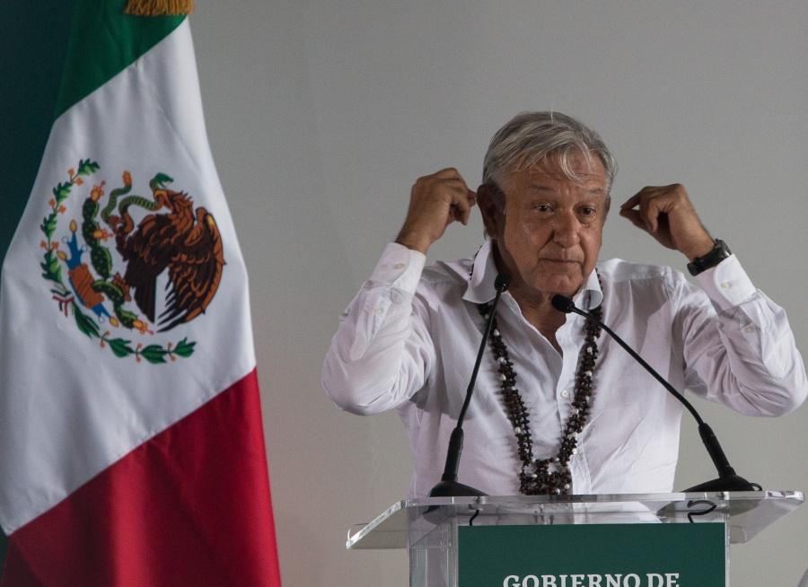 Si la Coca-Cola llega a todo México, las medicinas también, asegura AMLO