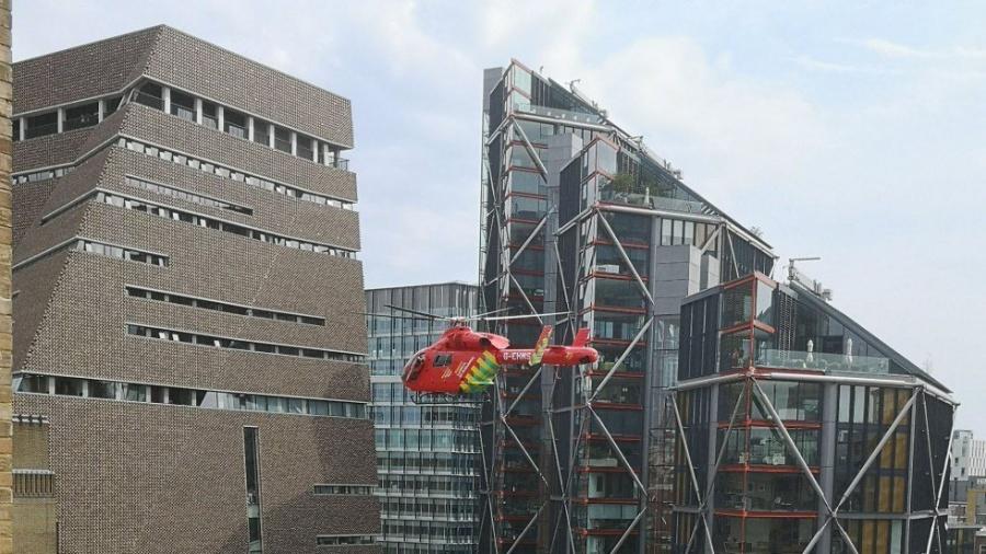 Un niño es lanzado desde un décimo piso en Londres