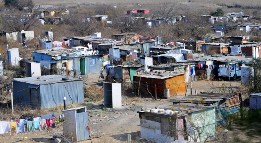 En México 52.4 millones de personas son pobres: Coneval