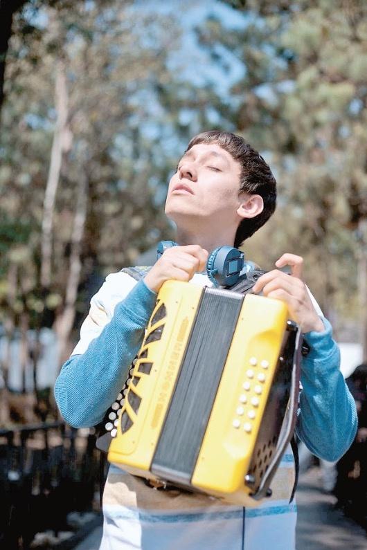 Reflexionan sobre el autismo en la película ¿Conoces a Tomás?