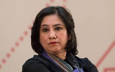 Se enfrascan en una batalla en Twitter Irma Sandoval y Felipe Calderón