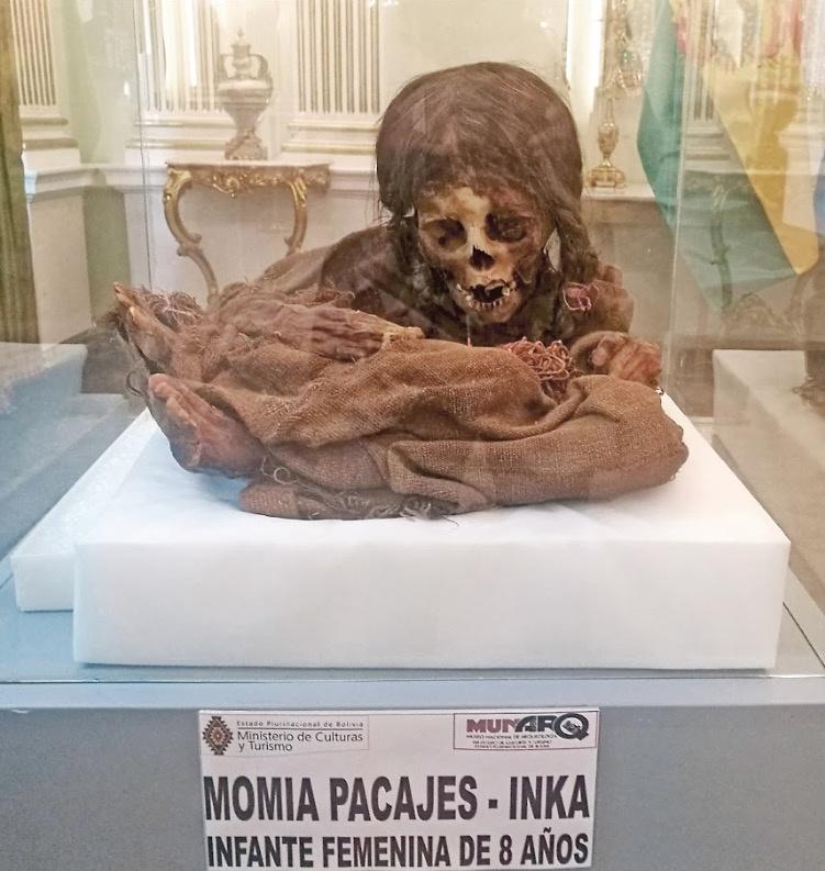 Tras 129 años, EU regresa a Bolivia momia de niña inca