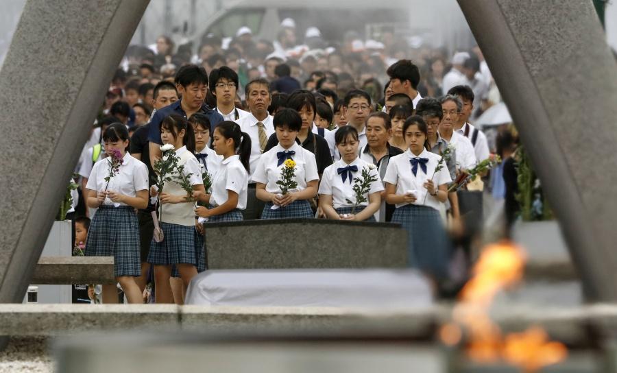 Japón conmemora 74 aniversario de bombardeo atómico en Hiroshima