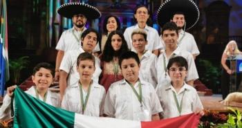 Agradecen a Guillermo del Toro los menores mexicanos ganadores en Olimpiada de Matemáticas