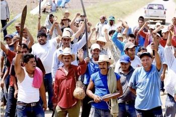 Dice AMLO a campesinos que no habrá marcha atrás en entrega directa de fertilizantes