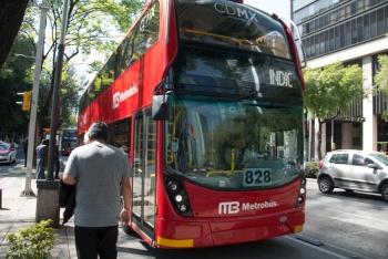 Metrobús opera con normalidad tras accidente en Eduardo Molina