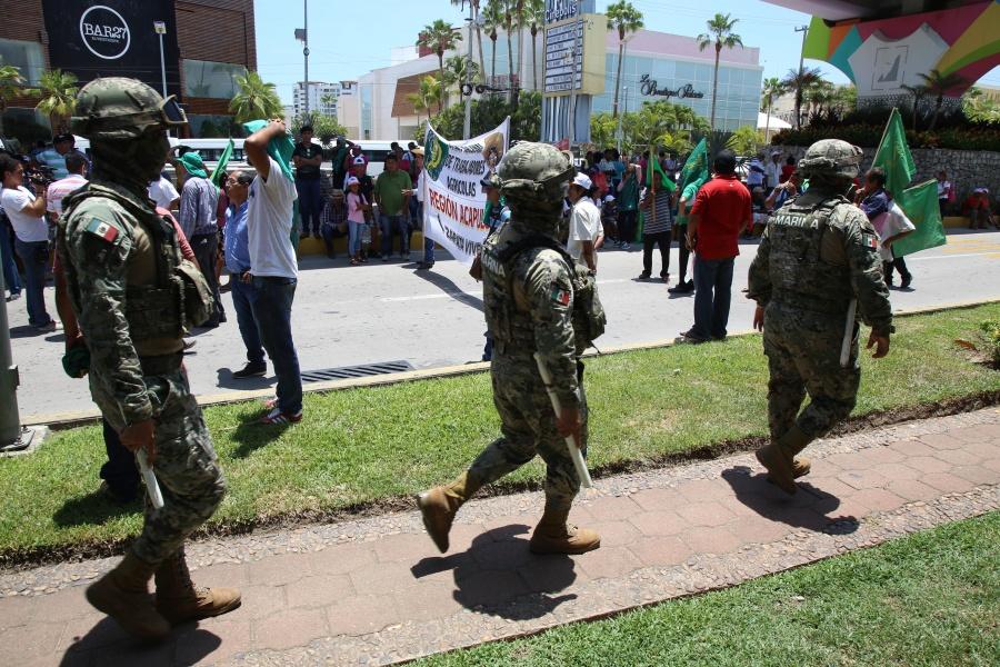Afirma López Obrador que delincuencia convocó a atacar a la GN