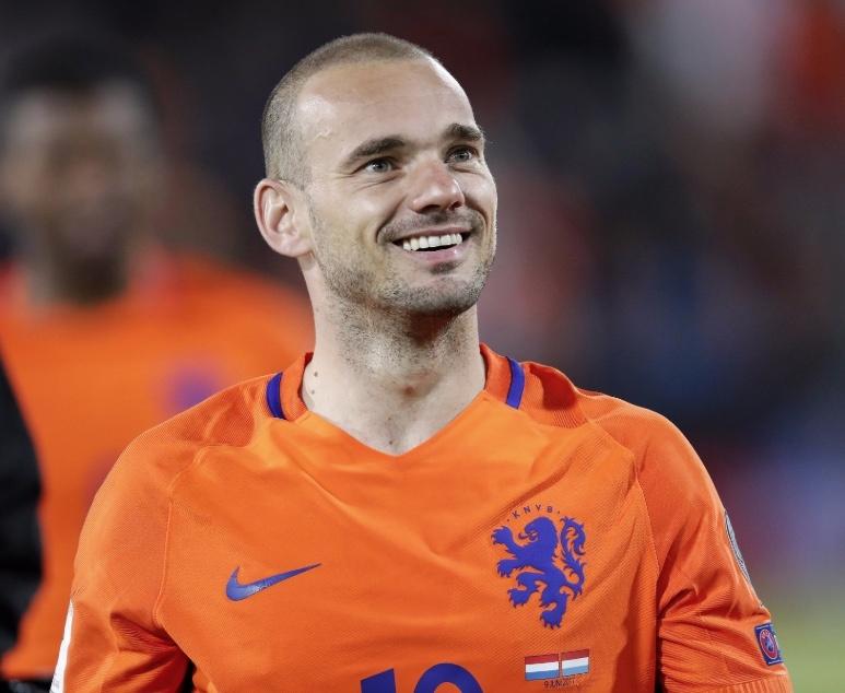 Wesley Sneijder, anuncia su retiro
