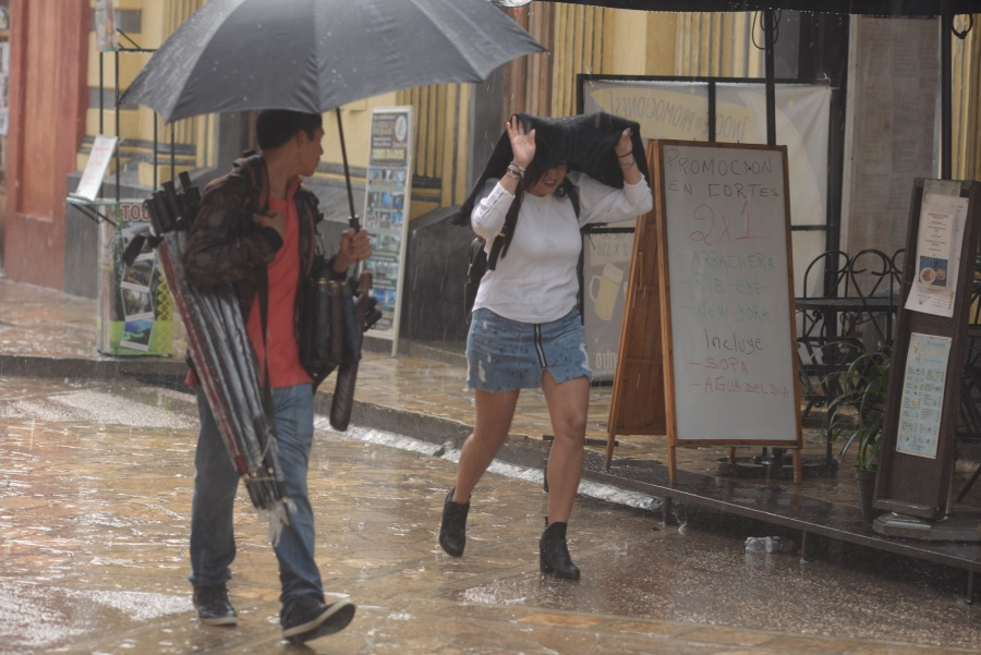 Pronostican lluvias muy fuertes en 10 estados del país