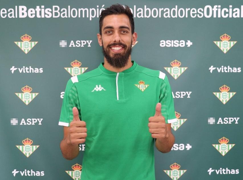 Betis hace oficial la llegada de Borja Iglesias