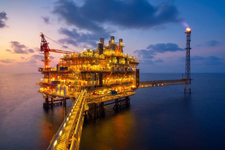 Se desploma precio del petróleo a causa de las débiles cifras económicas de Europa y China