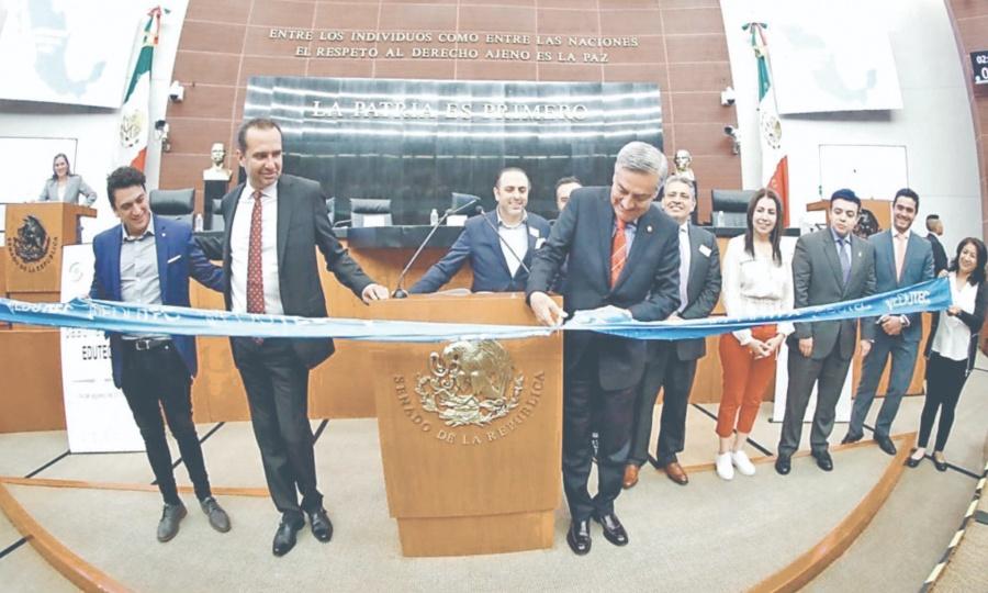 Implementan plataforma educativa de EU en México