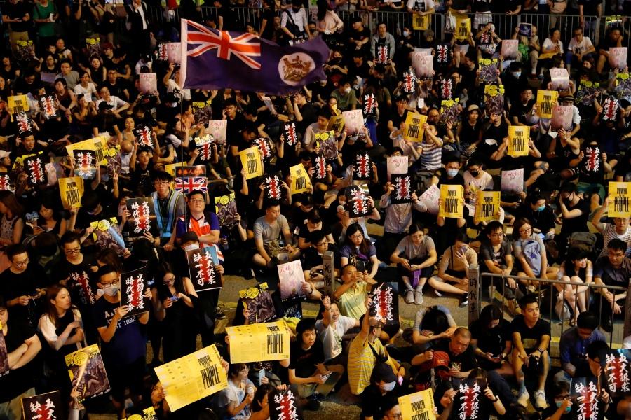 Concentra China fuerzas miliares en posible respuesta a protestas de Hong Kong
