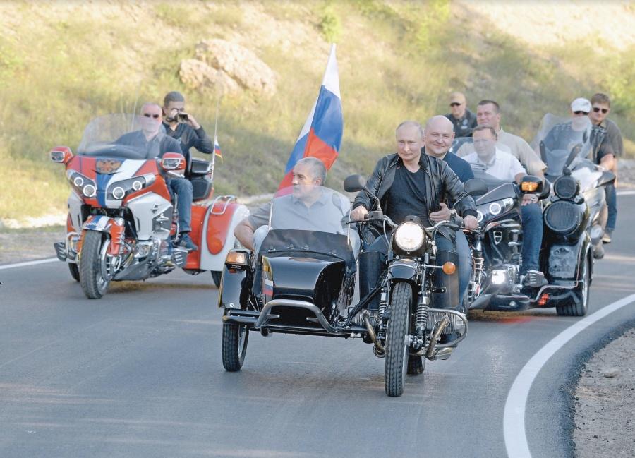 Putin cumple 20 años en el poder con más armas y aliados socialistas