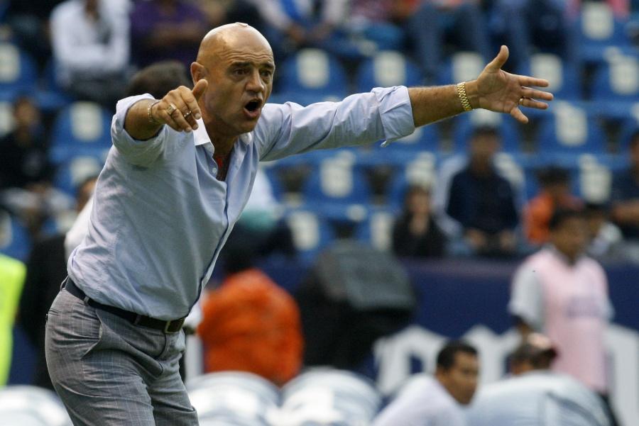 Sánchez Solá dejó de ser el director técnico del Club Puebla