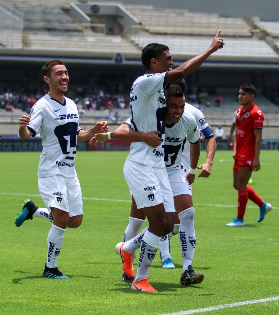 Pumas vence a un Veracruz desahuciado