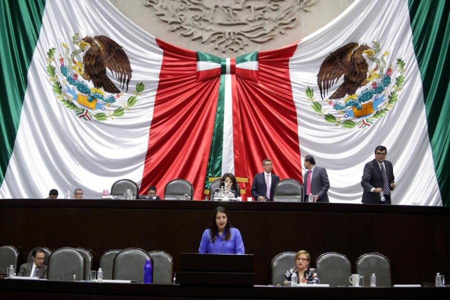El aeropuerto de Santa Lucía demuestra que solo es capricho del Presidente: Claudia Reyes