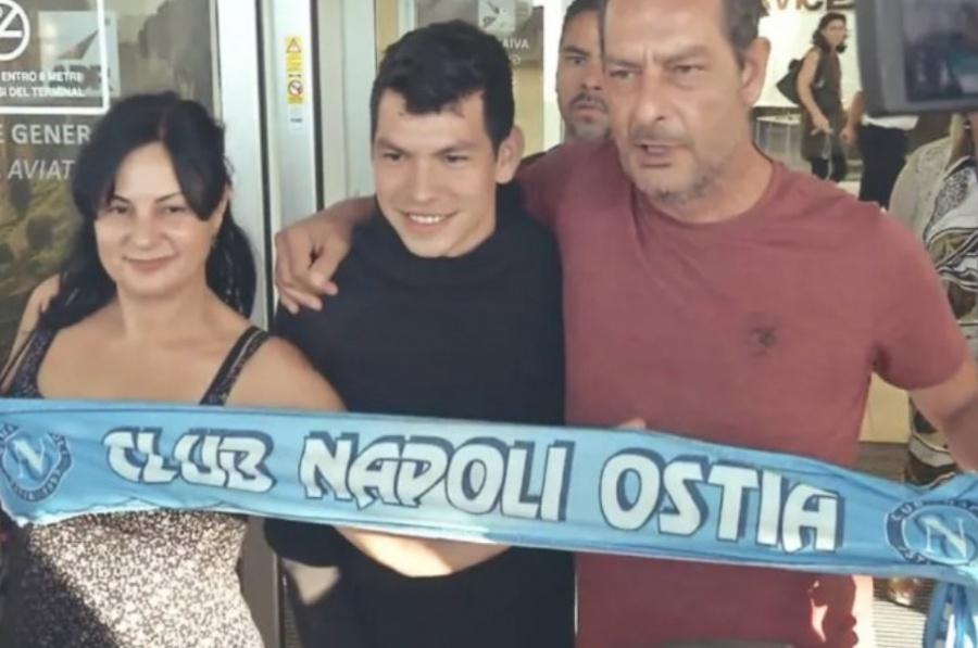 Hirving Lozano llega a Italia para fichar por el Nápoles