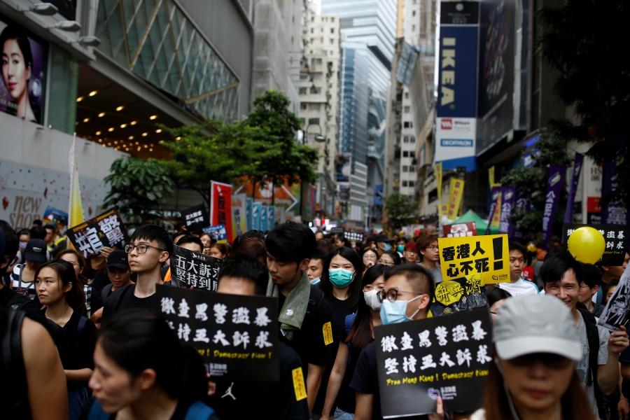 Acusan a China de usar cuentas falsas para socavar protestas en Hong Kong