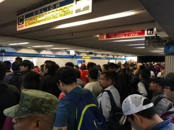 Reanuda servicio en Línea 2 del Metro tras rescate de persona fallecida
