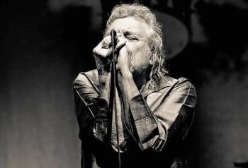 Robert Plant, la voz de Led Zeppelin, cumple 71 años