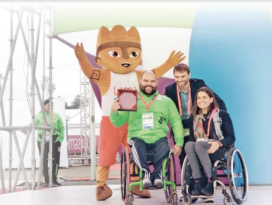Arriba primer contingente de atletas mexicanos a Lima