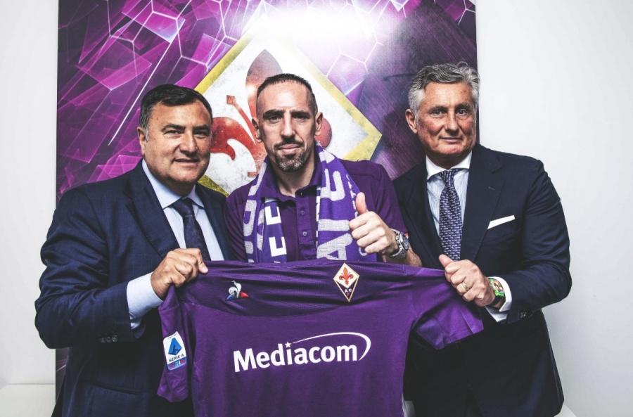 Fiorentina confirma el fichaje de Franck Ribéry