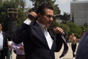 Acusa gobernador de Michoacán que subsecretario de Gobernación da dinero a delincuentes