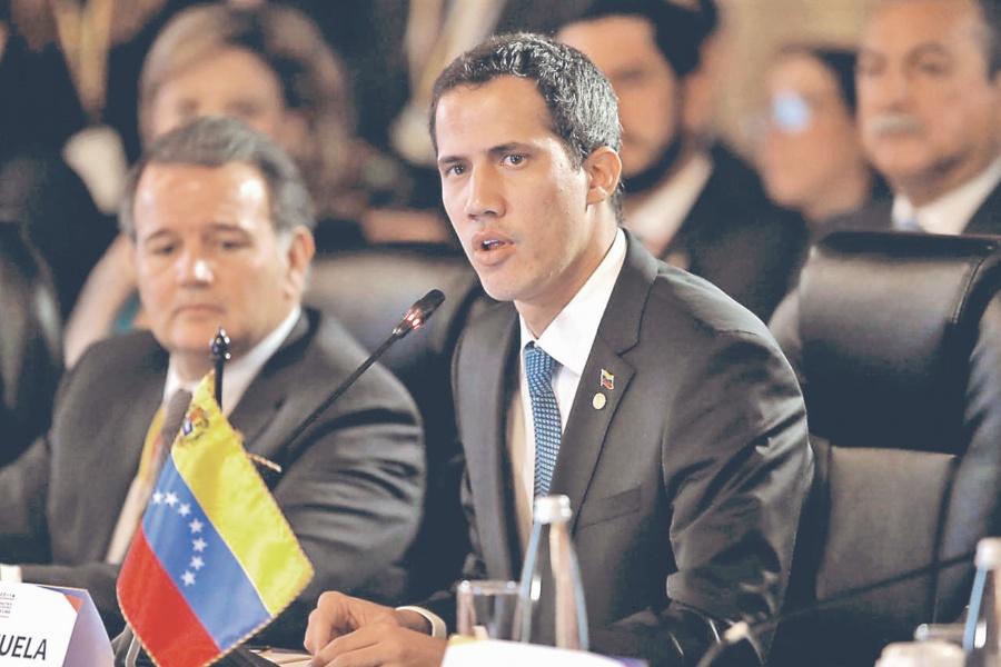 No es juego bloqueo naval de EU: Guaidó