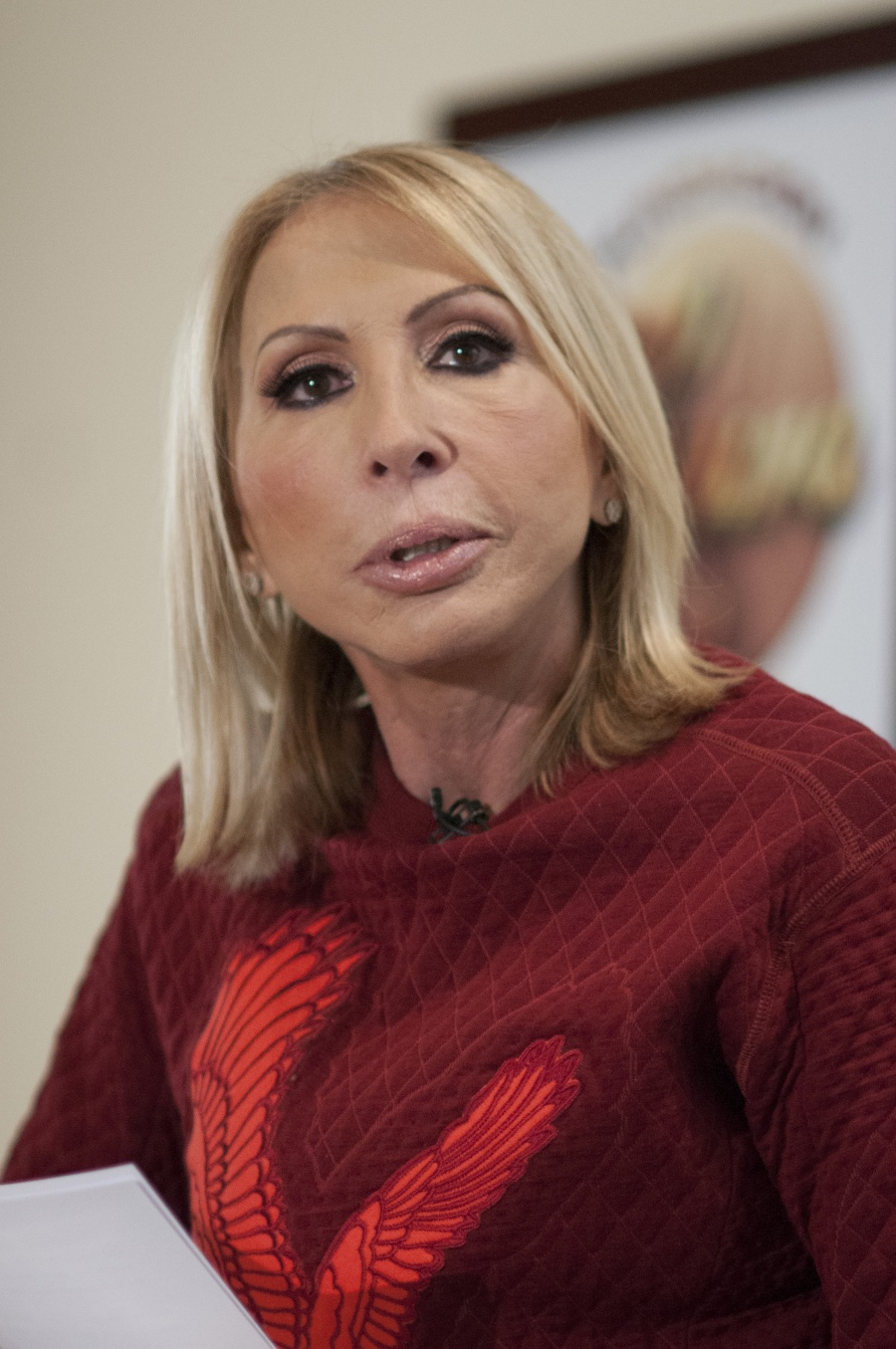 Laura Bozzo regresó su doctorado Honoris Causa
