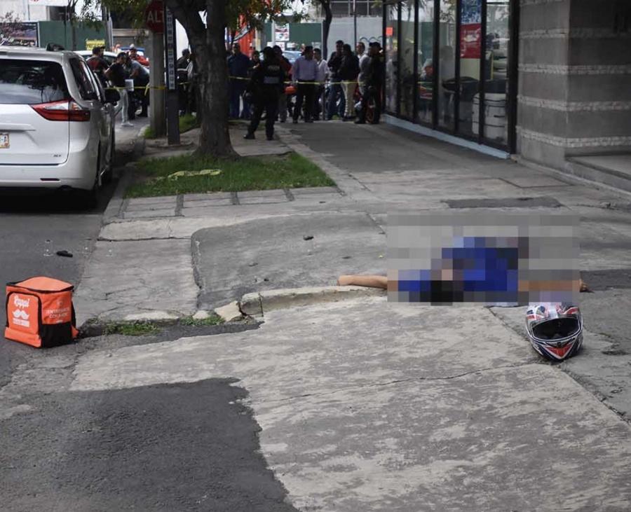 En Polanco, exmilitar mata a asaltante que fingía ser repartidor