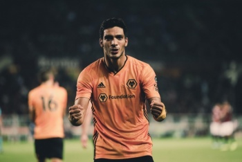 Jiménez marca en la victoria del Wolverhampton sobre el Torino en la Europa League