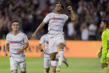 "Carlos Vela anota un gol ""a lo Maradona"" en la MLS"