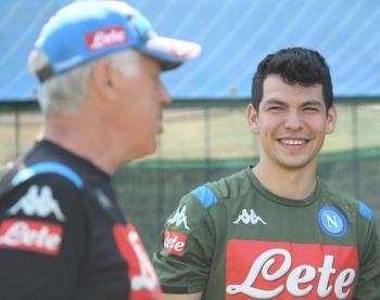 """Ancelotti satisfecho con la llegada de """"Chucky"""" Lozano al Napoli"""