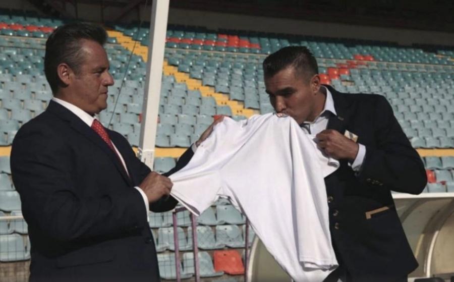 "Cesan a ""Chiquimarco"" del Salamanca; acusa que lo querían de ""presta nombres"""