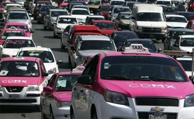 Habrá botón de pánico para controlar unos 180 mil taxis en CDMX
