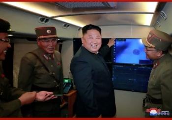Norcorea revela haber probado nuevo sistema de lanzamiento de cohetes