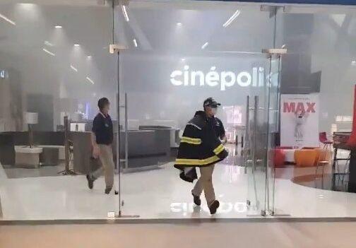 Desalojan a clientes de Plaza Puerta Tlatelolco por conato de incendio