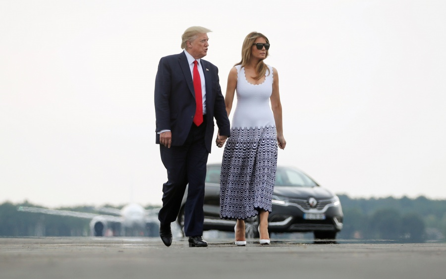 ¿Trump se molestó por el beso de Melania a Trudeu?